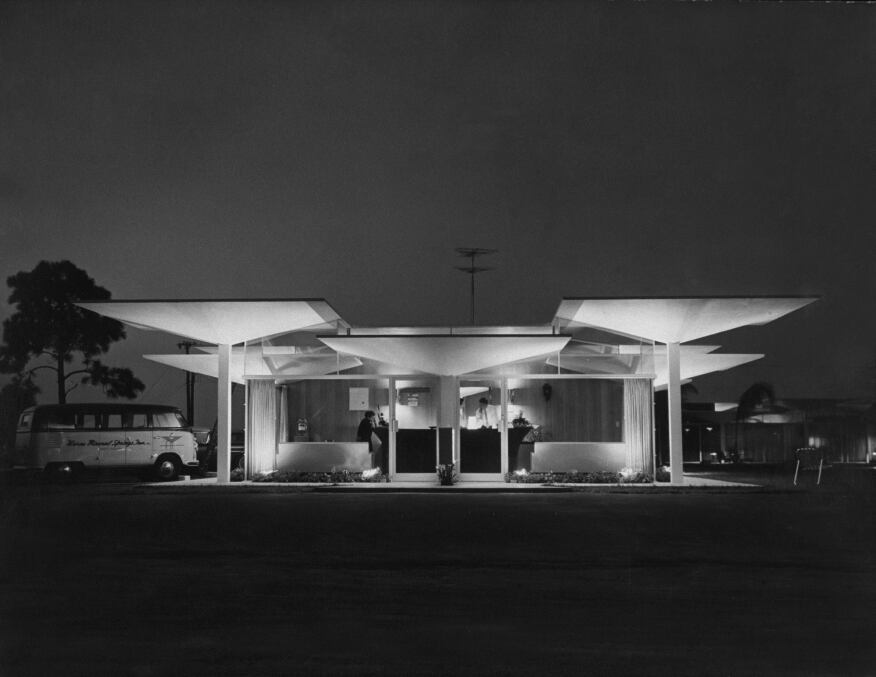 The entrance of the Warm Mineral Springs Motel, designed by Victor Lundy.