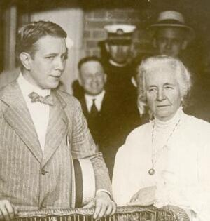 "Harry Thaw's mother, Alice Cornelia Thaw (right), and Thaw (left) during the ""trial of the century."" Thaw's mother was his biggest advocate and eventually helped to get him released early from jail. In 1915 he walked out a free man."