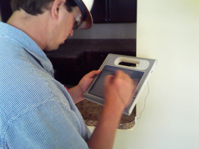 Tablet PCs Boost Multifamily Construction, Maintenance Tech