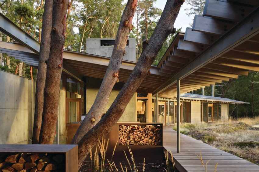 This house in Washington state preserves the best of its island site