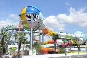 Polin Waterparks' fusion waterslides debuted at Campsite Le Chateau Vieux in Saint Hilaire de Riez, France, in May 2015 and garnered instant praise from patrons.