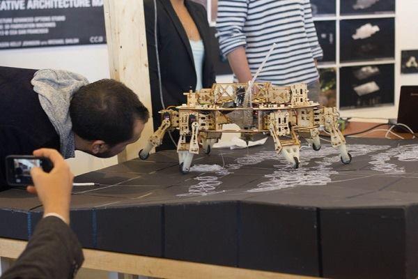 A walking 3D printer hexapod