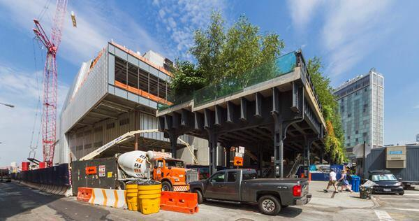 The end of the High Line (foreground) aligns with the southern façade of the new Whitney.