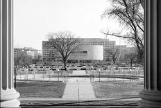 Esto Gallery: The Hirshhorn Museum and Sculpture Garden