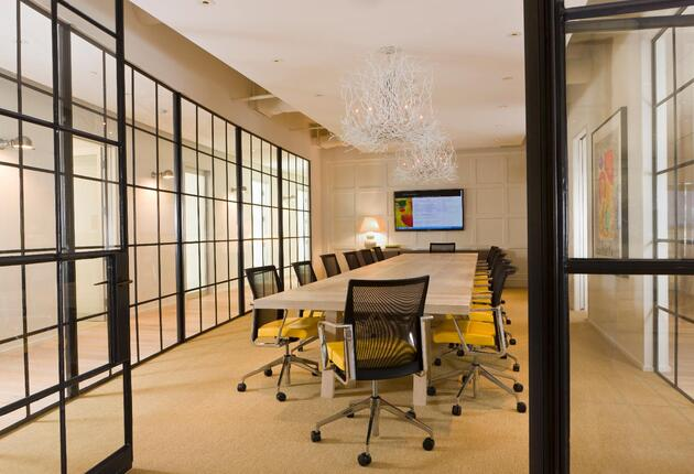 Modern, Airy Meeting Room