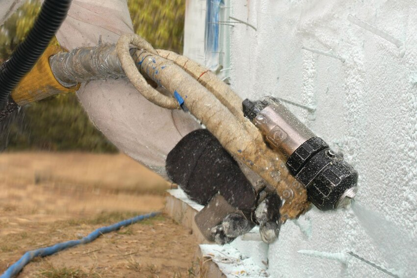 Spray-Foam Insulation: Open-Cell vs. Closed-Cell