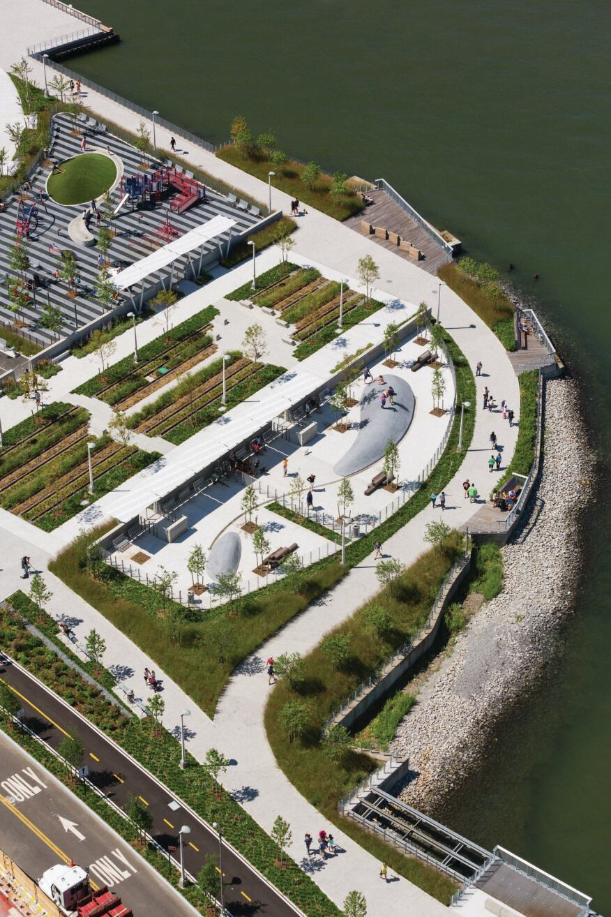 The first phase of the Hunter's Point South waterfront park by Thomas Balsley Associates / Weiss/Manfredi.