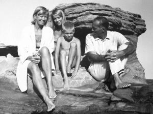 The Utzon family, circa 1964 (l to r): Wife Lis, daughter Lin, son Kim, and Jørn (Jan not shown)