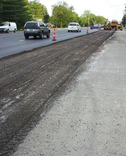 In 2005, contractors resurfaced this section of US 61/67 in St. Louis County, Mo., with hot mix containing 20% reclaimed asphalt. Photo: Missouri DOT