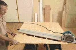 Thanks to sliding supports, the Smart Table can support a full sheet of plywood.