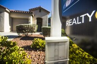 Las Vegas Prices Move Lower