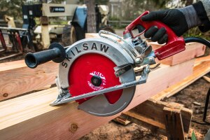 "Skilsaw SPT70WM-22 10 1/4"" wormdrive; Sawsquatch"