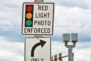 Red light cameras and safety