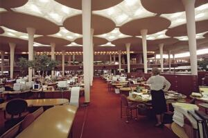 Designedby Frank Lloyd Wright, the Johnson Wax Building in Racine, WI. featuresbiophilic design elements which were yearsahead of their time.The interior columns in this room are reminiscent of a savannah environment some would say.