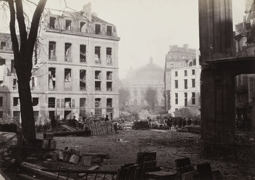 Percement de l'avenue de l'Opéra (Construction of the avenue de l'Opéra), December 1876. Albumen print from collodion negative. Musée Carnavalet, Paris © Musée Carnavalet / Roger-Viollet
