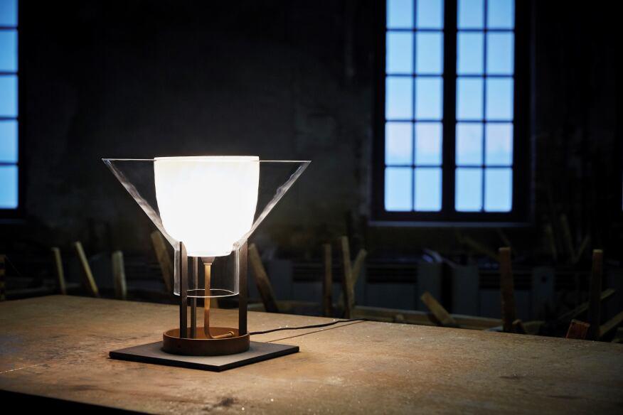 Igra table lamp