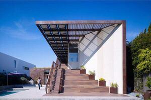 2013 AIA COTE Top Ten Green Project: Yin Yang House