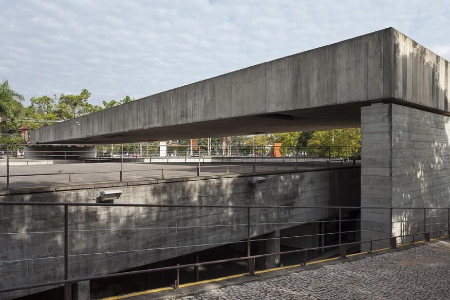 Paulo mendes da rocha wins 2017 riba royal gold medal for for Da architecture