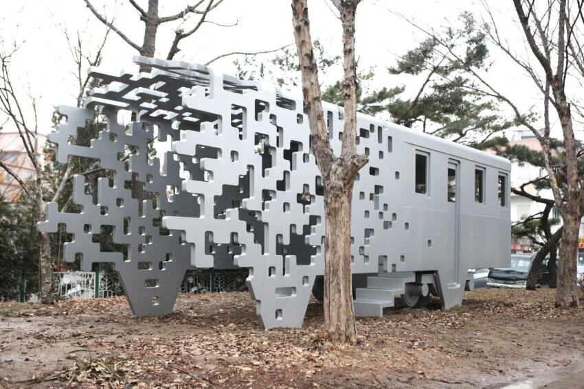 Historic Su-In Line Train Memorialized in Pixelated Installation