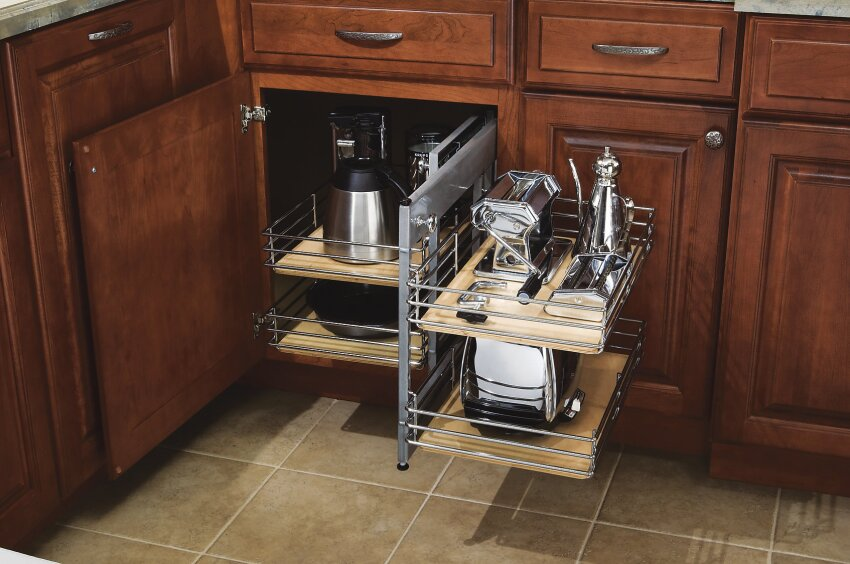 Diamond Cabinetry Base Corner Pull-Out