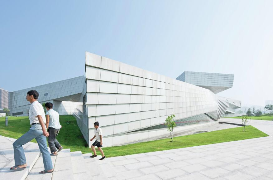 A series of promenades leads visitors around the angular structure, and to an open-air courtyard.