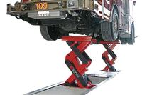 Axle engaging lift