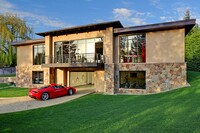 Five Design Ideas to Help Conceal a Garage