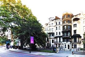 Beautiful Park Lane TownHouse