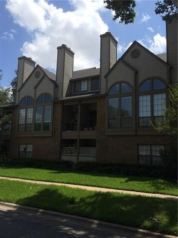A 2 BR, 2 bath condo in this building in Northwest Dallas is on the market for $215 K.