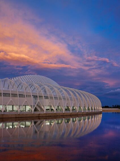 The IST references Calatrava's earlier work for the Milwaukee Art Museum alongside Lake Michigan.
