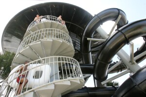 Ride goers walk up the stairwell of the newly revamped Black Hole at Wet 'n Wild in Orlando on Tuesday, May 20, 2008. Sara A. Fajardo/Orlando Sentinel