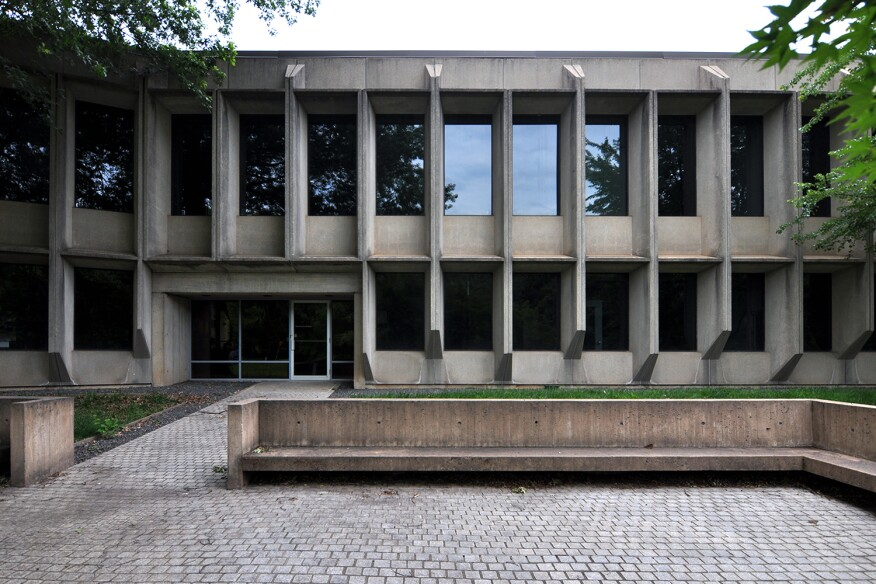 East entrance to Marcel Breuer's American Press Institute, Reston, Va.