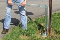 Sign post extractors