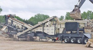 CRH1313R portable impactor and screen plant.
