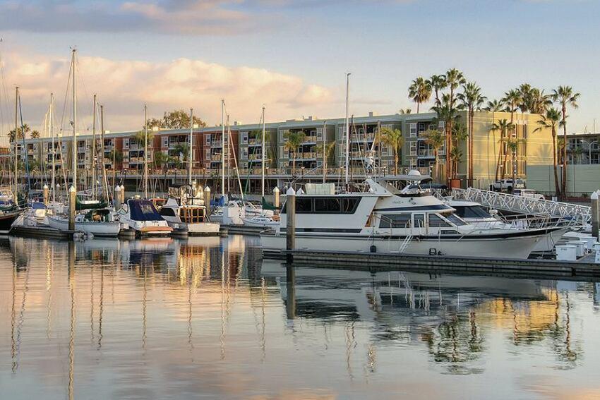 Apartment Renovation, Merit: Avalon Marina Bay