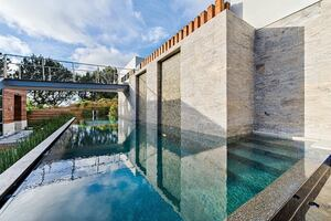 Summer Sensations: 6 Stunning Backyard Pools