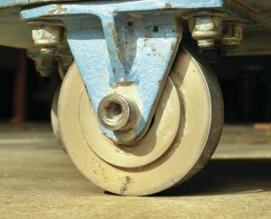 The Chaplin abrasion tester uses smooth steel wheels to create wear.