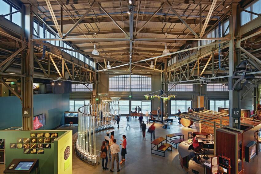 Nearly all of the institution's existing exhibits made the move to the renovated double-height shed on Pier 15. Large windows on the far northeastern end of the pier offer spectacular views out to the bay.