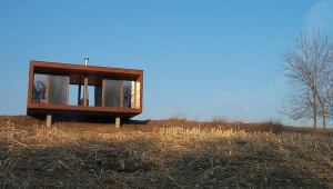 Alchemy Architects believes prefab houses such as its Arado model offer significant advantages over site-built or partially prefabricated houses.