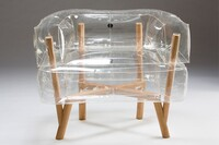A Mid-Century Modern-esque Inflatable Chair