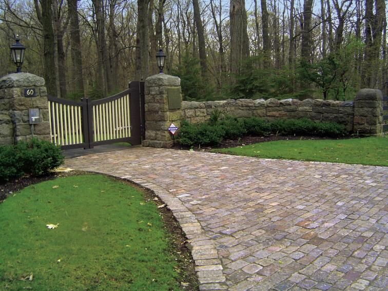 Gavin Historical Bricks Reclaimed Bricks, Pavers, and Cobblestones