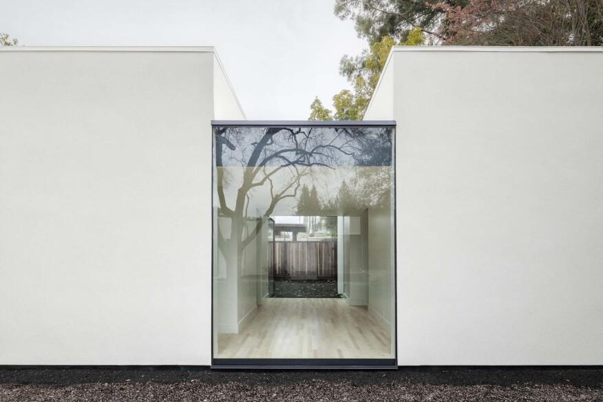 Photographer Lucas Fladzinski. Client Jermyn Manthripragada Architecture. Palo Alto, CA