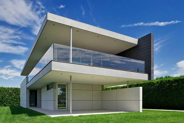 Ocean Guest House in Bridgehampton, New York by Stelle Lomont Rouhani Architects.
