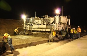 A paving crew implements real-time pavement smoothness on the DFW Connector project in Texas. NorthGate Constructors, a Kiewit-Zachry joint venture, is designing and constructing the DFW Connector.