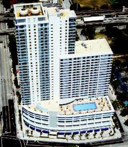 FLIP-FLOP: This Miami Beach apartment building will go condo as 401 BLU.