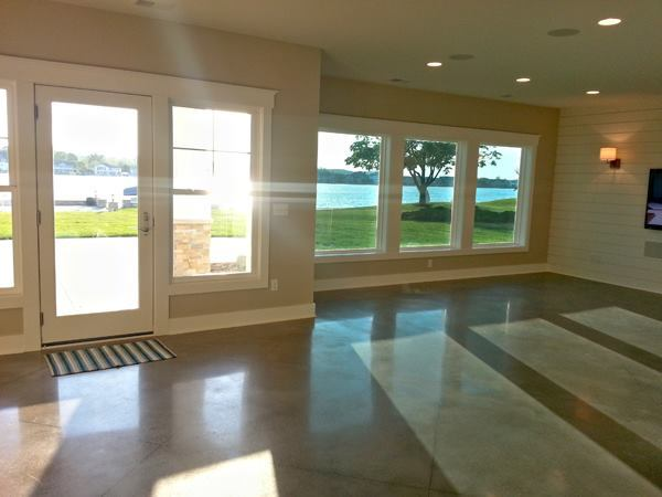 Jenison, Mich.–based Pleotint's thermochromic Suntuitive glass installed (right).