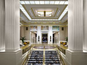 Waldorf-Astoria Park Avenue Lobby and Entry
