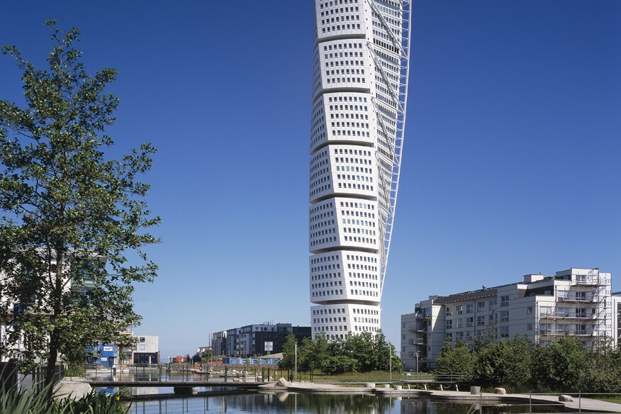 The Council of Tall Buildings and Urban Habitats Takes a Look at Twisting Towers