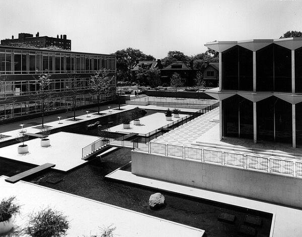 A damaged foundation caused the reflecting pools to be drained in the late 1990s.