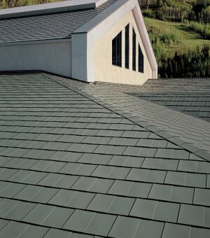 bilt to last  Custom-Bilt Metals is a manufacturer for all seasons. The 26-gauge steel of the company's Vail TITAN Select Shingles protects against high winds, heavy rains, and hail. On sunny days, its TITAN Cool Roof coatings reflect up to 71 percent of v